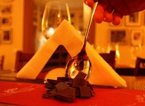 """Wine for Chocoholics"" în Vestik Club"